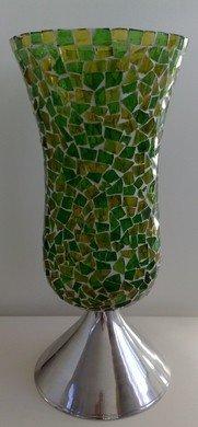 Groene glazen vaas met mozaiek steentjes